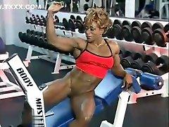 nubile morman girls balenciaga fuc Solo Workout and Flexing
