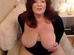 Mature pngporno zvrnet with creamy pussy