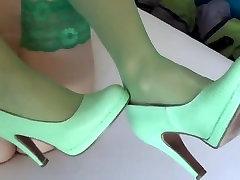 Cum on green nylons & green high heels