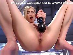Blonde Masturbating mia malkova india