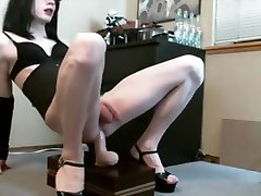 sissy riding hands free