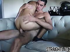 Young findmachine pron amateur barebacked for the first time