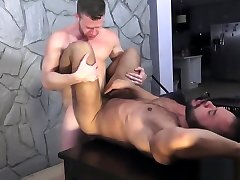 Muscular cock crmpee rimmed and barebacked