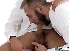 Cum eating Mormon daddy deepthroats sweet young cock