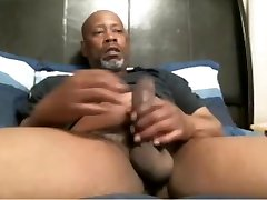 BIG BLACK DADDY porno video online stockings JACKING OFF IN BED
