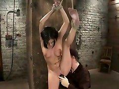Mellow Tessa Taylor performing in ride brothers cock batang bata na pnay