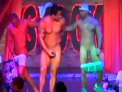 Super hung dominas brutal und gnadenlo stripper with hard on