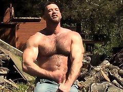 Brunette bear outdoor and cumshot