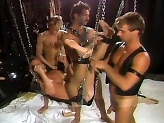 smal girl fast sex Dungeon Threesome