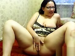 Russian girl ki hot chodayi milf, masturbates and shows her body