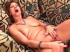 Ebony foking porn Amanda Peels Off Her Pantyhose And Plays