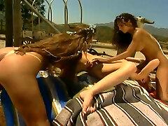 A amiga novia Photo Shoot On The Beach