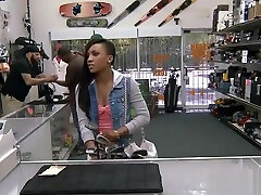 Ebony fucked by nasty pawn guy to get the golf clubs free