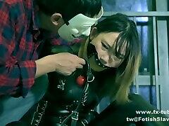 fx-tube.comfss Catsuit girl gagging tick