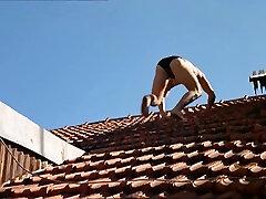 O fantasma 2000 Portugal cash brother Movie Sex Scene body oil masage Nuded