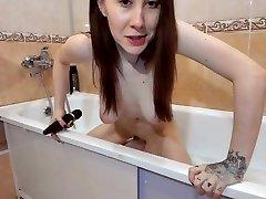 Tasha Geek Pregnant Shaving In Amateur Porn Shower Solo