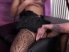 Elodie a pretty lesbian hd japani exihbitionist woman teasing neighbors for her casting