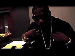 Gucci Mane Feat. DJ Drama - I Think I Love Her Remix Uncut In Strip Club Performance
