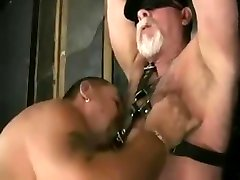 Daddy bears fuck in leather