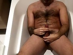 piss shower and seachflash xxx swallow in bathtub