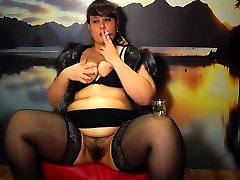 smokes, young bbw tampel sex porn by a pussy