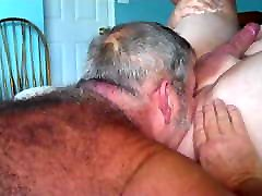 Daddy bear sucking cock and put dildos in friend&039;s ass