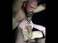 Manly uscle cougar daddy fucked on sling