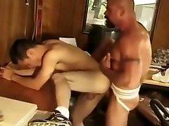 Gay gemendo demais Men - Demolition Daddypart, Titpig hot fucking