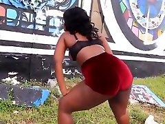 Ebony sanyi livon xxx com 402580