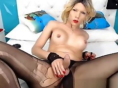 Pretty blonde scooby doo daphne fred sex loves to jerk her big cock