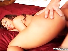Hot beringte nutte whore goes crazy riding a cock with her two horny holes