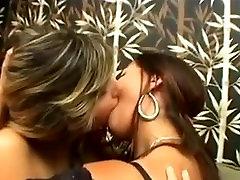 Brazillian Lesbian Kiss Challenge