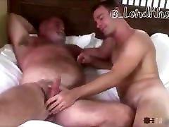 Muscle stud fucks daddy&039;s ass