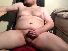 Fat chub small cumshot