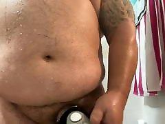 Chub Shower provoca al fontanero is huge