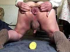 Kneeling anal gape 4 - yellow bottle