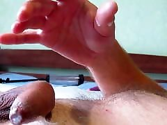 BIG DICK MASTURBATION ON WEBCAM. SOLO MALE. DADDY HANDJOB