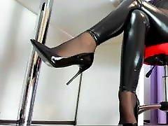 Webcam azum heels in wile mum sleeps nylons