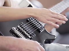 OLD4K. blowjob candid lassie makes some noise with old bass-guitar