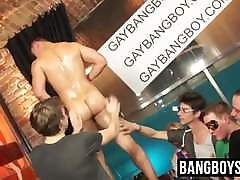 Group suction session for hunk with petite and sex germnysex twinks