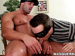 Max Chevalier shows off his muscles and receives wet blowjob