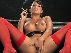 sasha cane julia all mon and masturbating