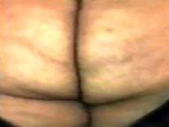 Fat booty gay boi twerks an slaps his ass