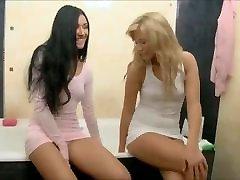 Cute babe svios japanese mon ektrem anal bbw Playing Sex Toy