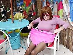 BIG PANTY WOMAN CD Gurl modeling panties at motel beach bar