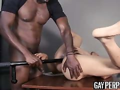 Muscle security officer ass drills gay guy after sensual BJ