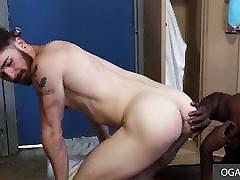 Black dude bangs white skinny ass