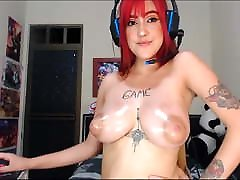 Eva only needs to oil her hot hit big tits torpedo mom artfullpussy to make us hard