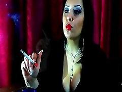 Kyanna Smoking