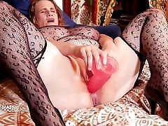Mature huge tits milf wearing her covid mask gets anal